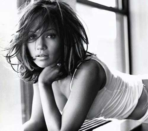 Jennifer Lopez Straight Layered Bob Hair