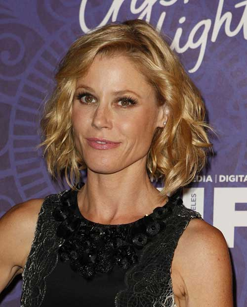 Julie Bowen Curly Waves Haircut