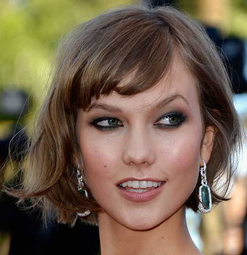 Karlie Kloss Cute Short Wavy Hair