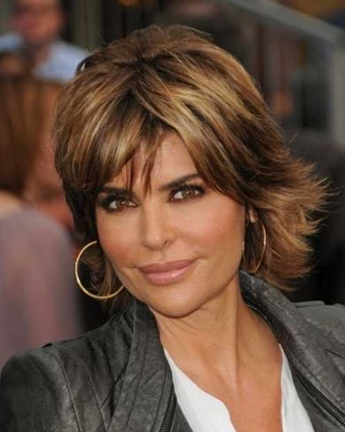 Lisa Rinna Short Layered Brunette Hairstyle with Bangs