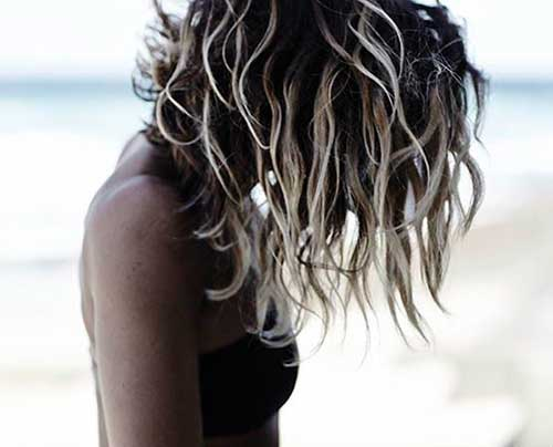 Cool Ombre Colored Wavy Hair