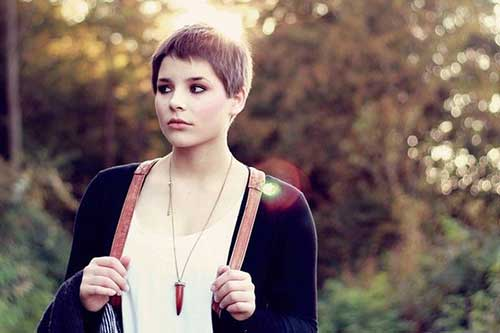Stunning Looks with Pixie Cut For Round Face