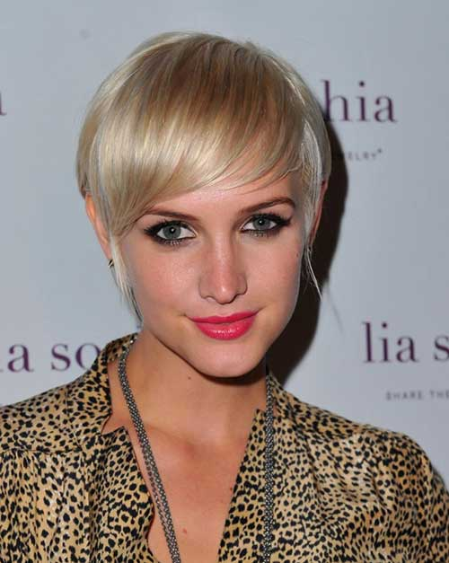 Hairstyle Pixie Cut with Long Bangs
