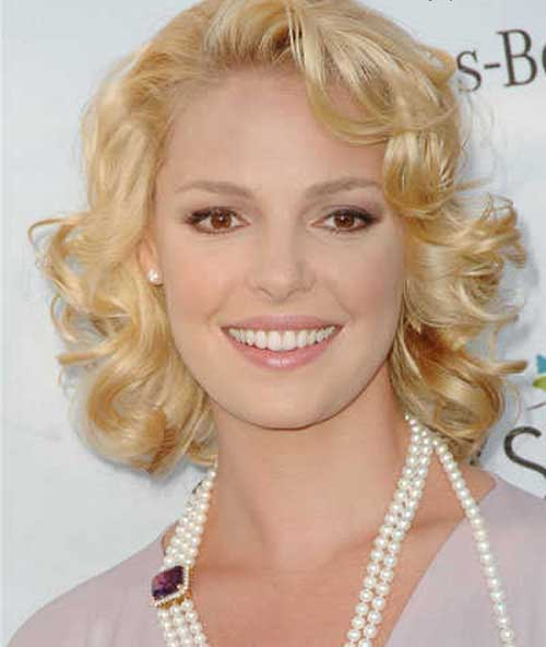 Ladies Short Hairstyles for Thin Curly Hair