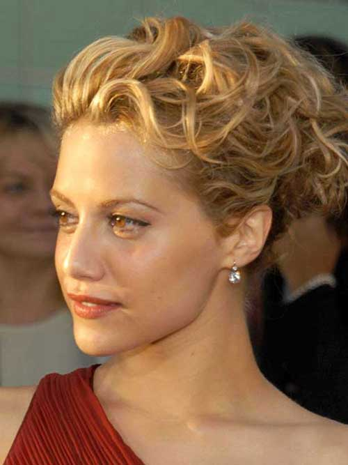 Short Hair Messy Updo for Wedding Hair Ideas