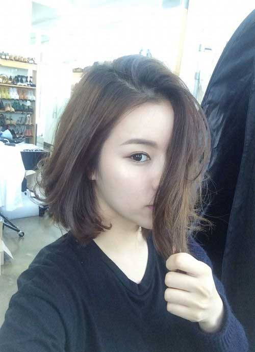 Asian Straight Layered Hair With Side Bangs 20 Asian Short Haircut...