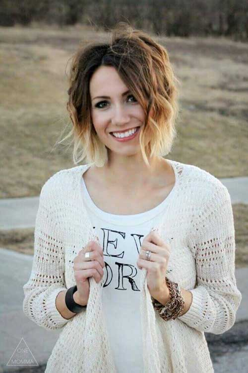 Short Blonde Ombre Wavy Bob