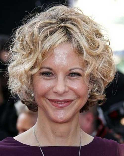 Curly Cute Bob Hair Ideas for Over 40