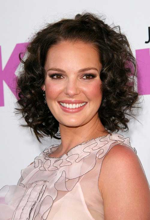 Surprising Short Hairstyles For Curly Frizzy Hair Short Hairstyles 2016 Hairstyles For Women Draintrainus
