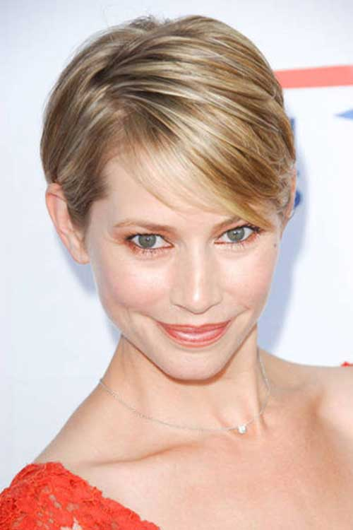 Cute Layered Short Thin Highlighted Hairstyles