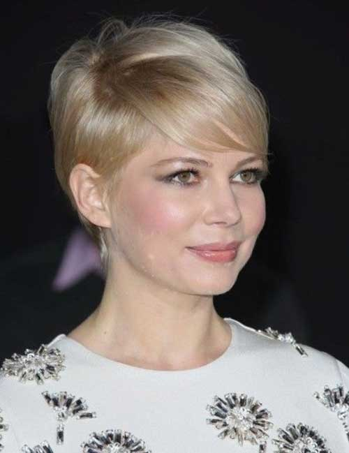 Best Elegant Hairstyles for Short Straight Hair