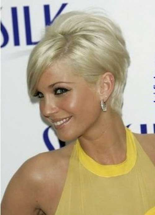Layered Blonde Pixie Ideas for Over 40