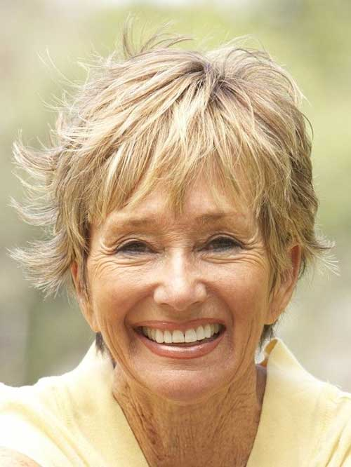 Best Layered Pixie Haircuts for Mature Women