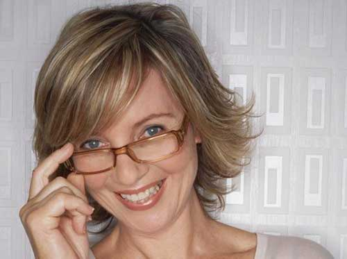 Best Layered Short Bob for Mature Women
