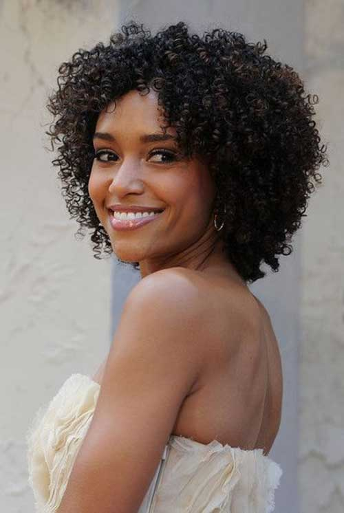 Lovely Natural Curly Short Hair Cut for Women