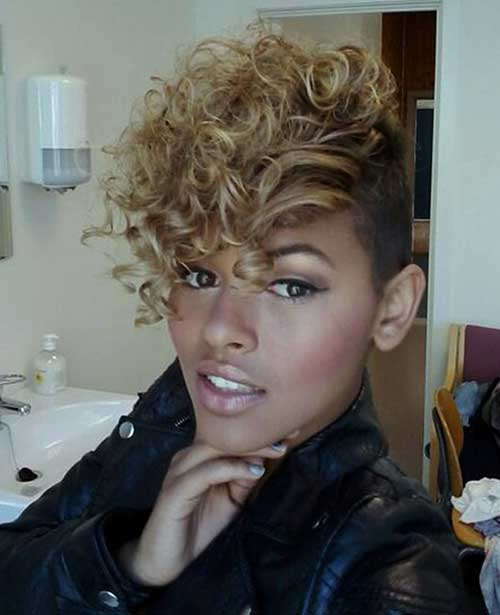 Best Natural Curly Short Hairstyle for Women