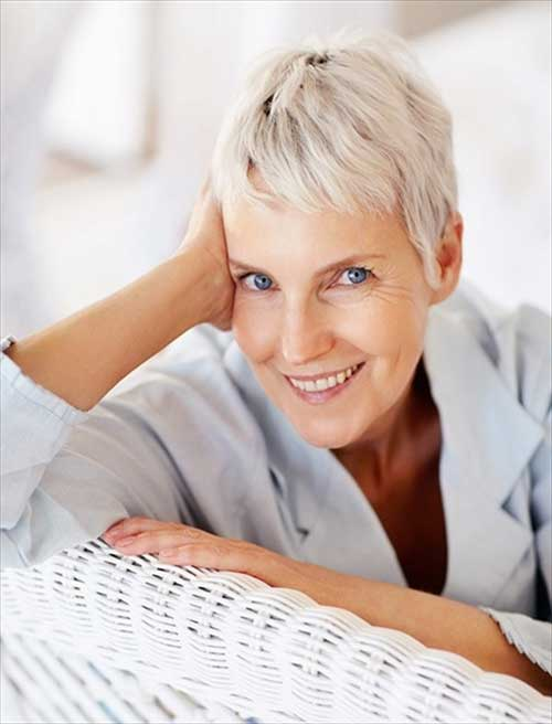 Best Short Haircut for Mature Ladies