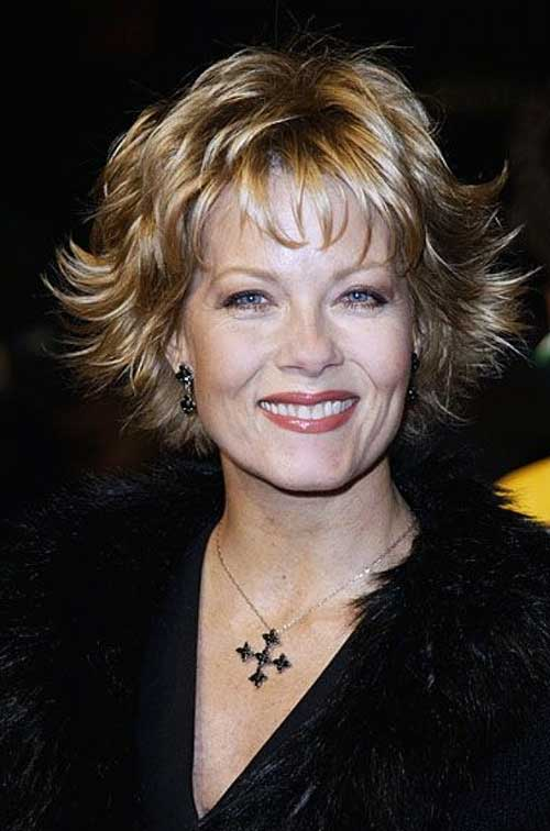 Short Blonde Flippy Hairstyles for Over 50