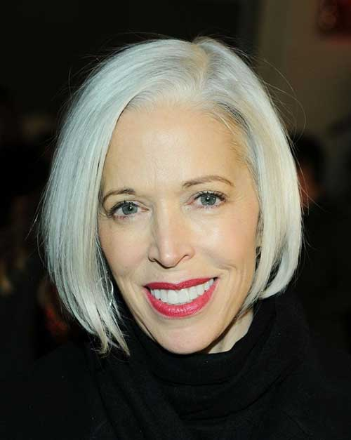 Short Blonde Straight Hairstyles for Over 50