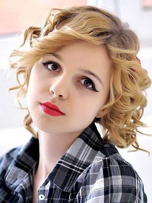 Nice Short Curly Haircuts For Round Faces