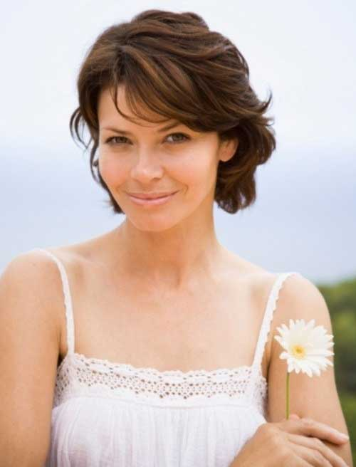 Best Short Hair For Women Over 40