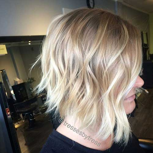 Short Wavy Hair Soft Blonde Ombre