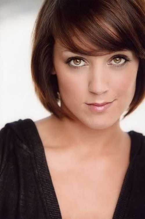 Best Short Haircuts for Straight Fine Layered Bangs