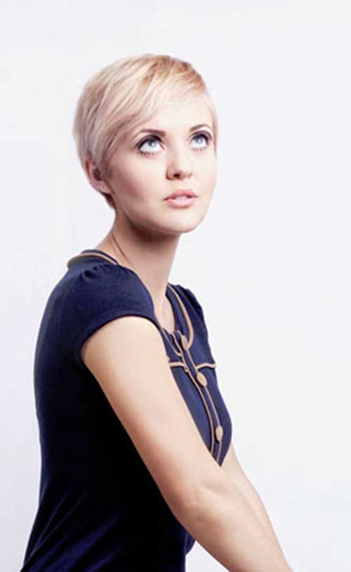 Short Hairstyles for Thin Straight Blonde Hair