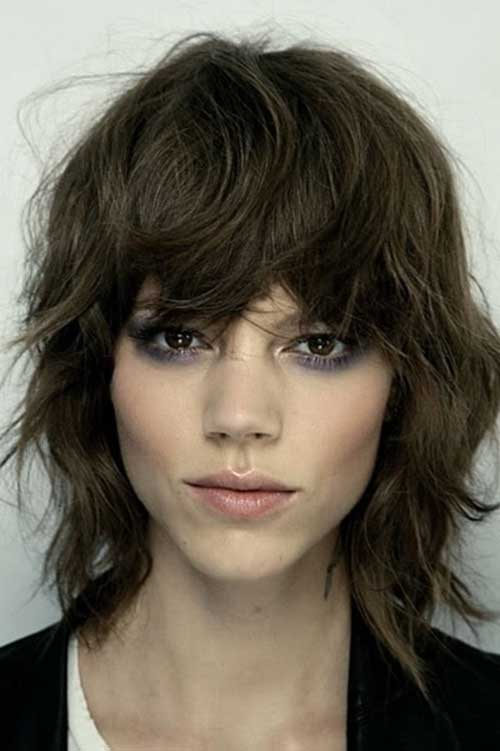 Short Medium Wavy Haircuts with Bangs