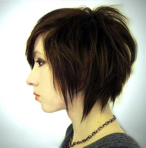 Short Razor Bob Haircut for Girls