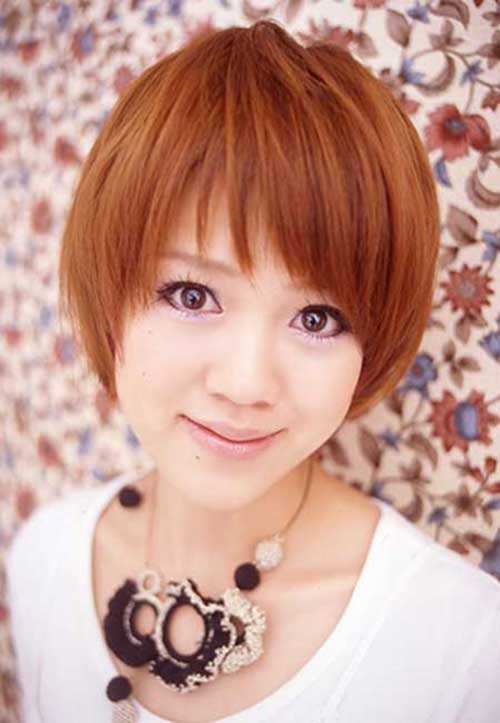 Straight Short Hairstyles on Round Faces