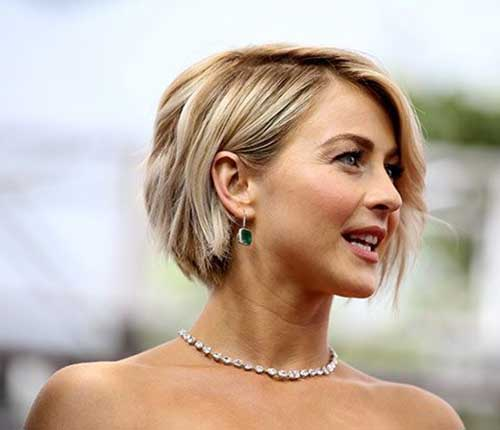Textured Blonde Short Bob Haircuts