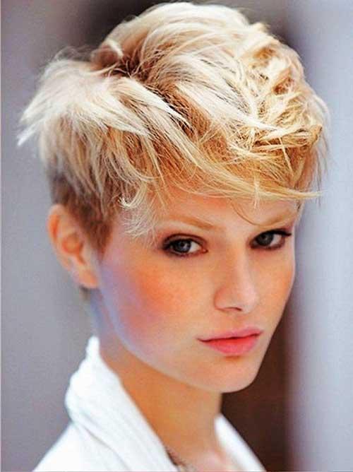 Layered Short Haircuts-12
