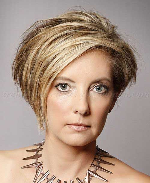 Short Hair Styles for Women Over 40-14