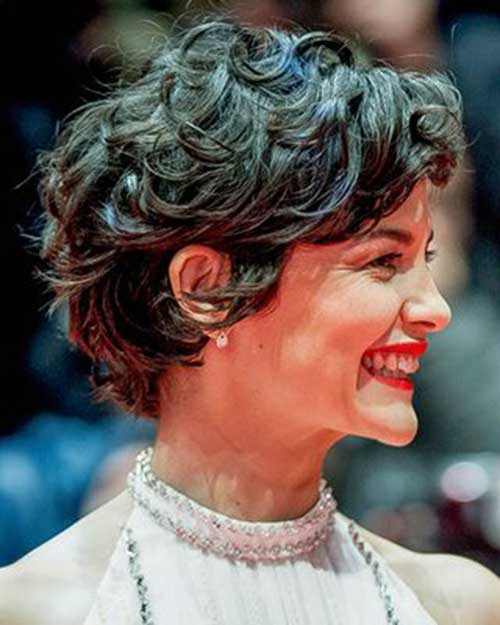 haircuts for short curly hair 25 chic curly hairstyles hairstyles 2017 1043 | 24.Curly Short Hairstyle