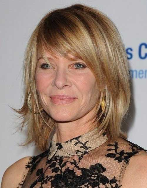 Short Hair Styles for Women Over 40-7