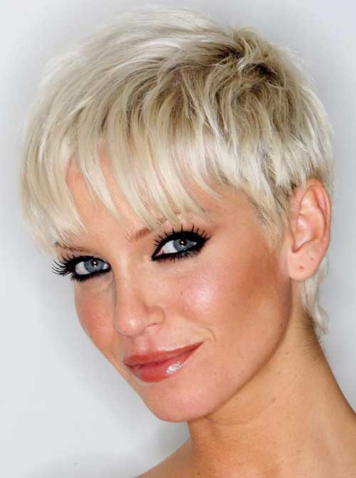 Best Short Haircut for Women Over 40