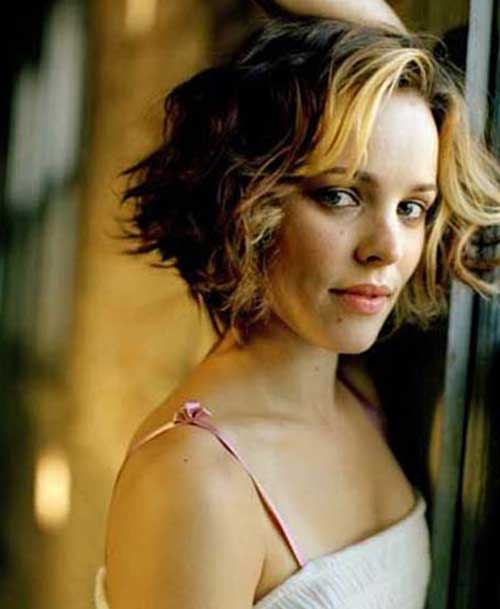 Short Hairstyles for Wavy Hair-13