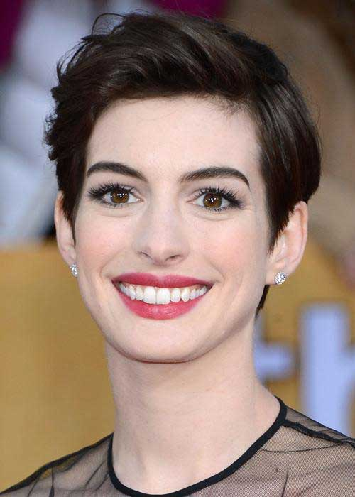 Anne Hathaway Nice Pixie Hair Style