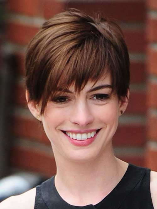 Anne Hathaway Side Swept Pixie Cuts