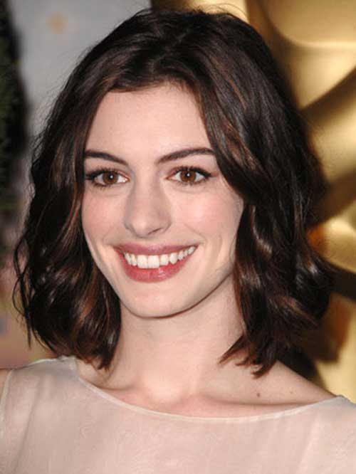 Anne hathaway shoulder length hair bangs