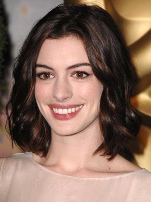 Anne Hathaway Wavy Dark Bob Haircut Style