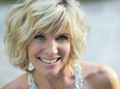 layered wavy bob hairstyles 2017 2018 15 layered wavy bob hairstyles 2017 2018 15