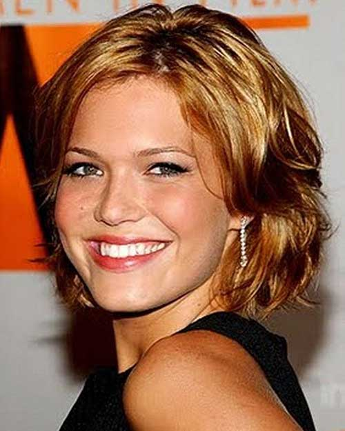 Cute Short Haircuts Women Over 40