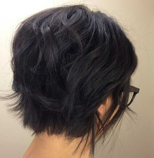 Dark Short Wavy Bob Cut