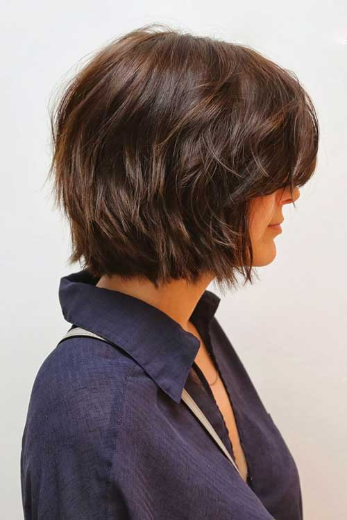 Layered Dark Bob for Wavy Hairstyle