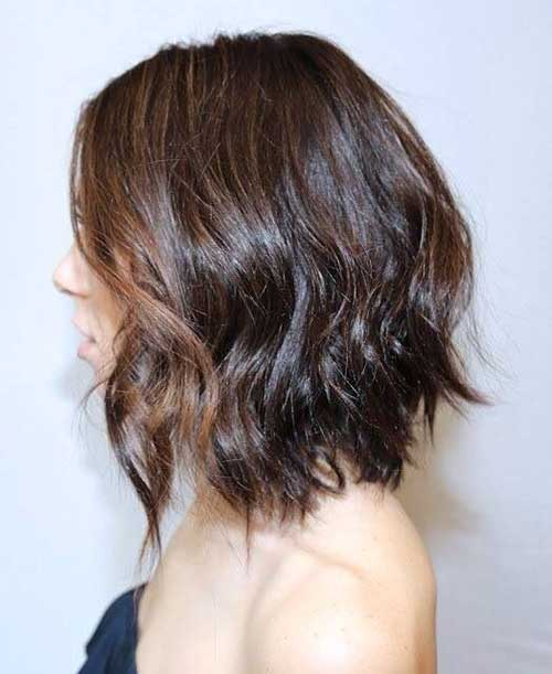 Layered Mid Bob for Wavy Hairstyles