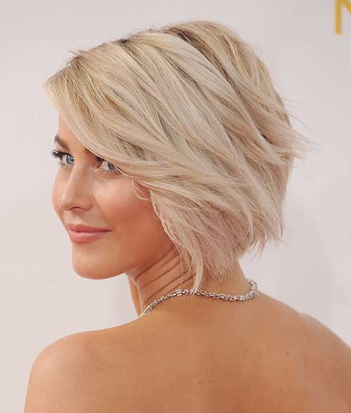 Short Bleached Blonde Casual Bob Cut