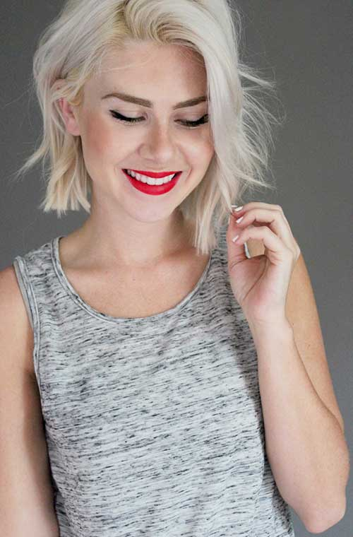 Short Bleached Blonde Wavy Bob Haircut