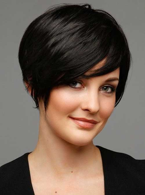 Short Dark Straight Hairstyles for Brunettes